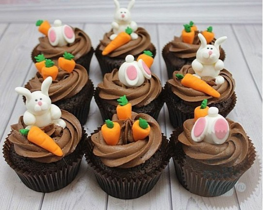 Кролики на грядке